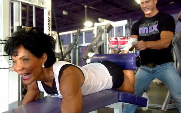 Steve Pfiester trains female bodybuilder
